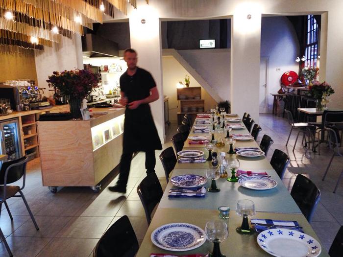 Lange-tafel-Staal-Haarlem